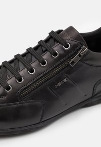 Geox - TIMOTHY - Casual lace-ups - black - 5