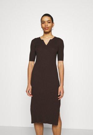SPLIT NECK COLUMN - Day dress - dark mahogany