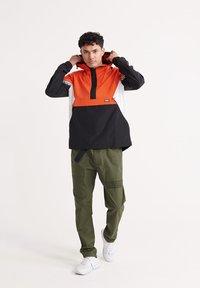 Superdry - Windbreaker - bold orange - 1