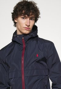 Polo Ralph Lauren - WATER-REPELLENT HOODED JACKET - Giacca leggera - collection navy - 4
