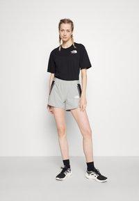 The North Face - RAINBOW TEE - Print T-shirt - black - 1