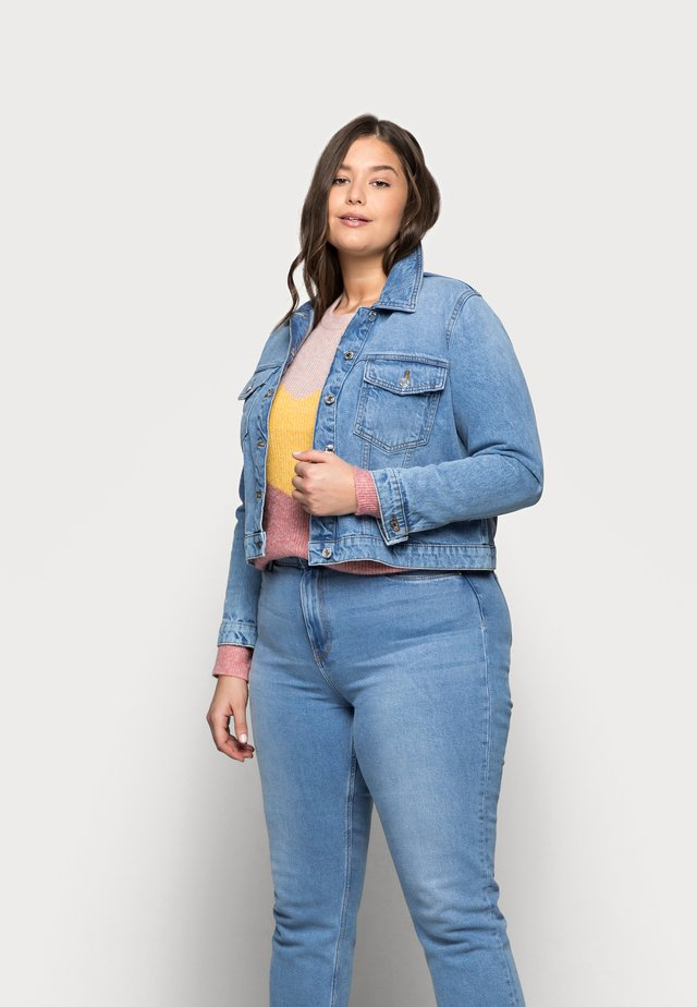 VMMIKKY SHORT JACKET - Džínová bunda - light blue denim