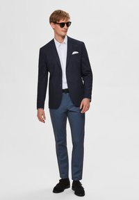 Selected Homme - SLHSLIM-AIDEN - Tygbyxor - navy blazer - 1