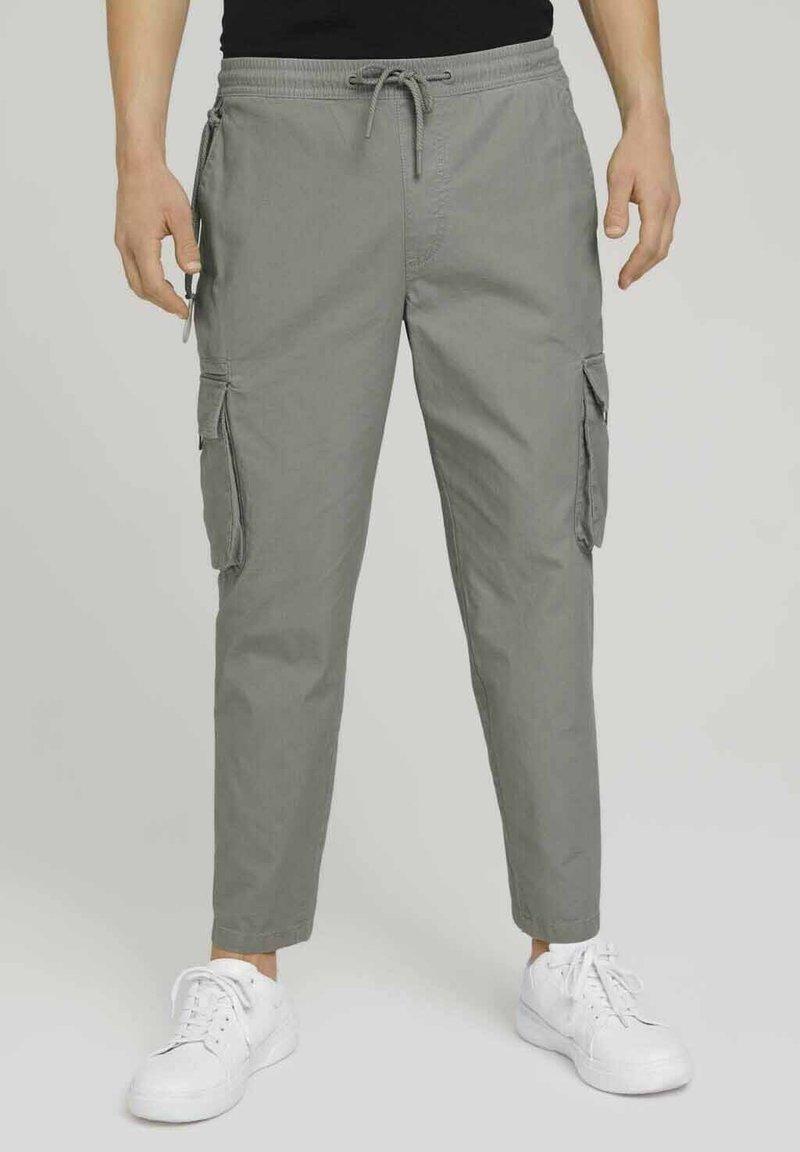 TOM TAILOR DENIM - Cargo trousers - greyish shadow olive