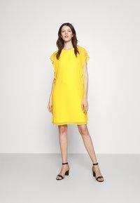 Lauren Ralph Lauren - OLOKUN CAP SLEEVE DAY DRESS - Cocktail dress / Party dress - lemon rind - 1