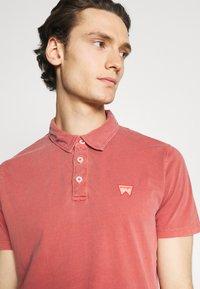Wrangler - Polo shirt - barn red - 3