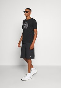 Makia - RE SCOPE - Print T-shirt - black - 1