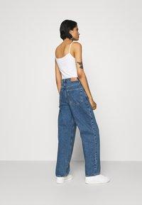 BDG Urban Outfitters - MODERN BOYFRIEND BAGGY JEAN - Relaxed fit -farkut - blue denim - 2
