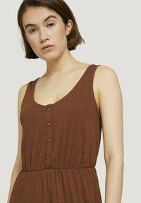 TOM TAILOR DENIM - Maxi dress - amber brown - 2