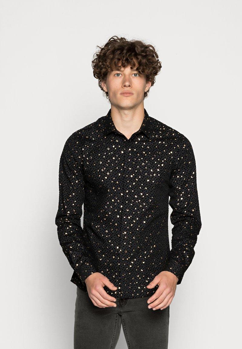 Twisted Tailor - FARROW - Skjorta - black