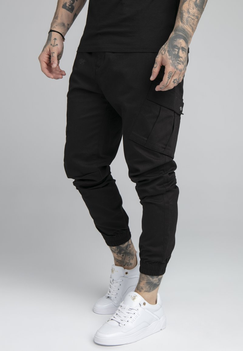 SIKSILK - FITTED CUFF PANTS - Pantalones cargo - black
