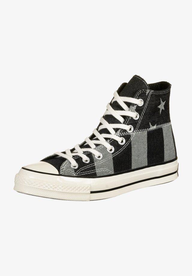 Trainers - black/white/egret