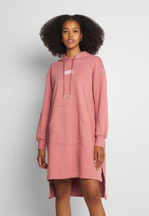 D-ILSE-ECOSMALLOGO - Denní šaty - rose
