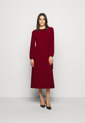 MID WEIGHT DRESS - Jerseykjoler - romantic garnet