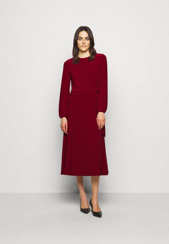 MID WEIGHT DRESS - Jersey dress - romantic garnet