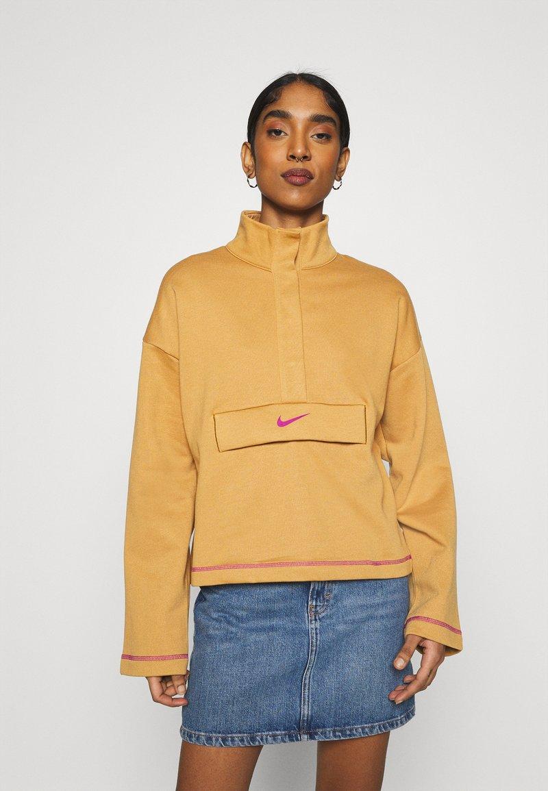 Nike Sportswear - Sweatshirt - flax/cactus flower