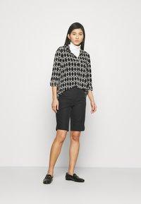 Marks & Spencer London - CHINO - Shorts - black - 1