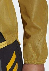 adidas Performance - TERREX AGRAVIC RAIN JACKET - Regnjakke / vandafvisende jakker - gold - 7