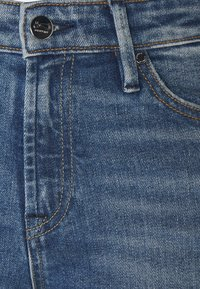 Denham - JANE BLAUTH - Flared Jeans - blue - 2