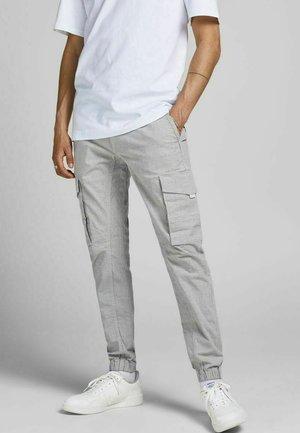 PAUL FLAKE AKM KARIERT - Cargo trousers - light gray