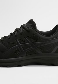 ASICS - GEL-MISSION 3 - Obuwie do biegania treningowe - black/carbon/phantom - 5