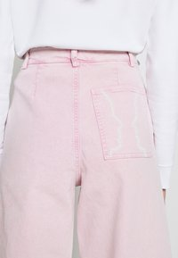 Vivetta - Jeans a zampa - pink - 5