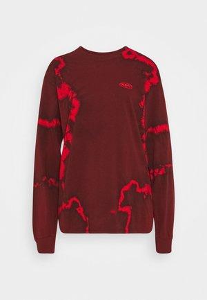 DRIP TIE DYE SKATE TEE - Long sleeved top - red