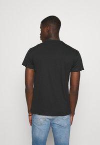Mennace - ESSENTIAL REGULAR UNISEX 2 PACK - T-shirt basique - multi - 2
