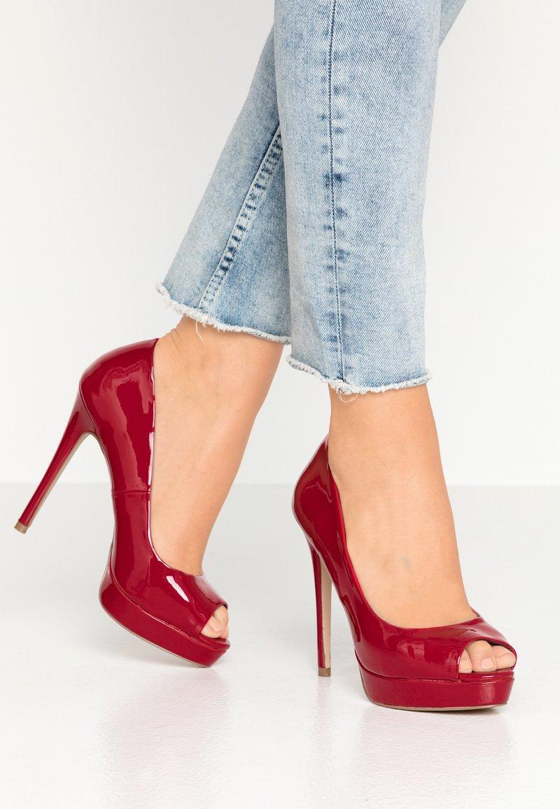 Faith - LOOK - Peeptoe heels - red