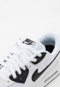 Nike Sportswear - AIR MAX 90 - Trainers - white/black - 5