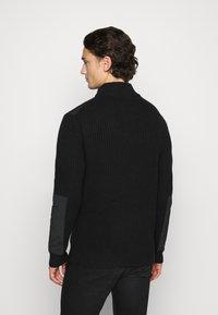 Calvin Klein Jeans - UTILITY HALF ZIP SWEATER - Jumper - black - 2
