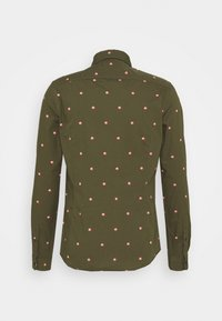 Scotch & Soda - SLIM FIT WITH ALL OVER PRINT - Skjorta - dark green/light pink - 6
