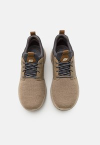 Skechers - DELSON CAMBEN - Trainers - taupe - 3