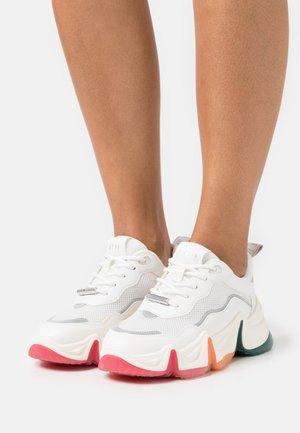 CHARIZMA - Sneakers - white/multicolor