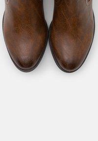 Marco Tozzi - Boots - cognac antic - 5