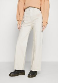 Weekday - NELLIE TROUSER - Relaxed fit jeans - tinted ecru - 0