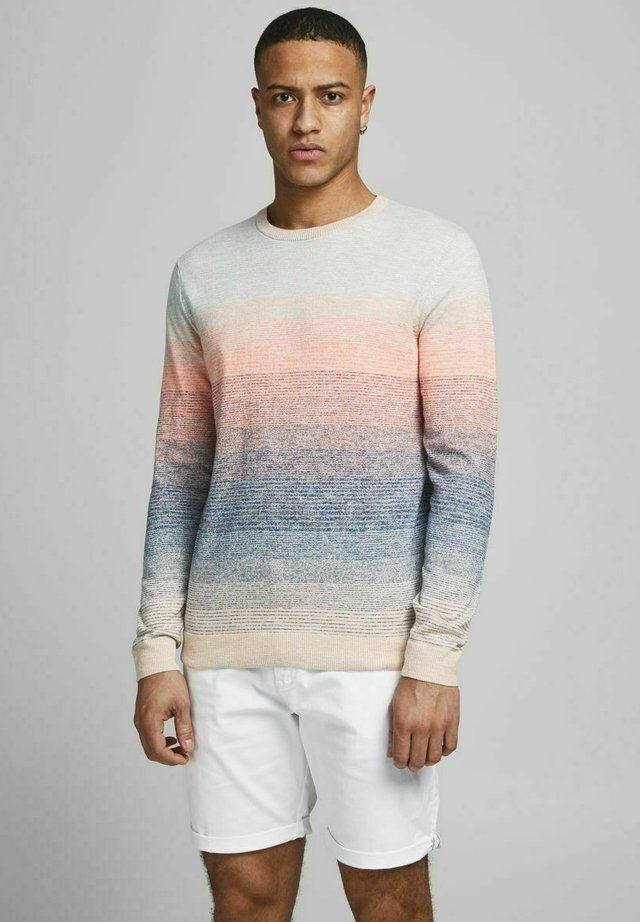 Jumper - shell coral