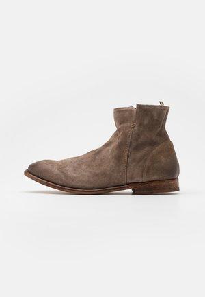 Kotníkové boty - florence washed coco
