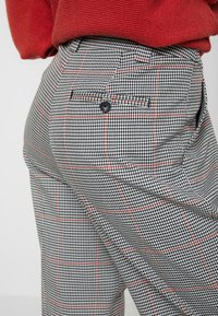 TOM TAILOR - CHECKED CULOTTE - Trousers - black/white/red/grey - 3