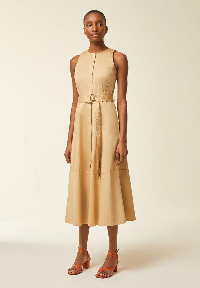 Korte jurk - apple cinnamon