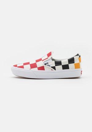 UA COMFYCUSH SLIP-ON - Mocasines - multicolor