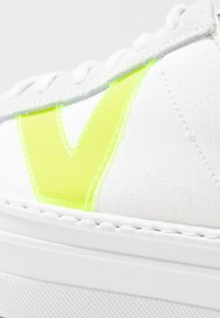 Victoria Shoes - Trainers - blanco - 2