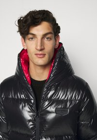 Duvetica - AUVATRE - Down jacket - nero - 3