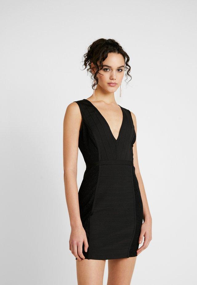 PLUNGE BANDAGE PANELLED BODYCON DRESS - Freizeitkleid - black