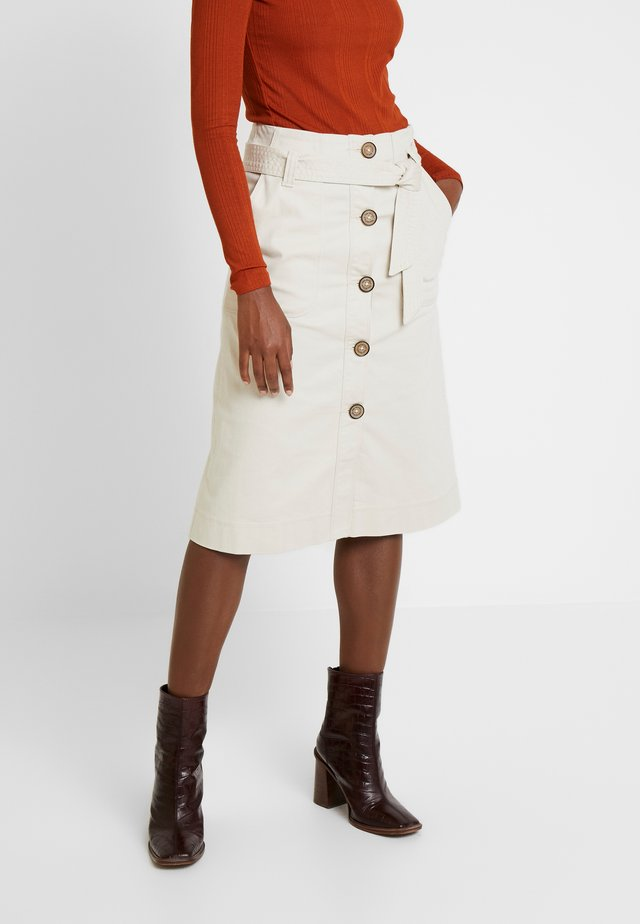 SKIRT WITH BUTTONS AND BELT - A-line skirt - ivory