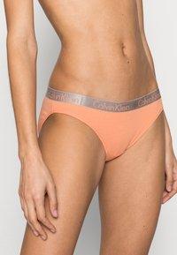 Calvin Klein Underwear - 3 PACK - Alushousut - grey heather/pale blue/flambe - 4