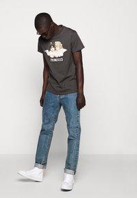 Fiorucci - VINTAGE ANGELS TEE - Print T-shirt - dark grey - 5