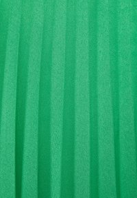 CAPSULE by Simply Be - PLEATED WRAP SKIRT - Jupe portefeuille - green - 2