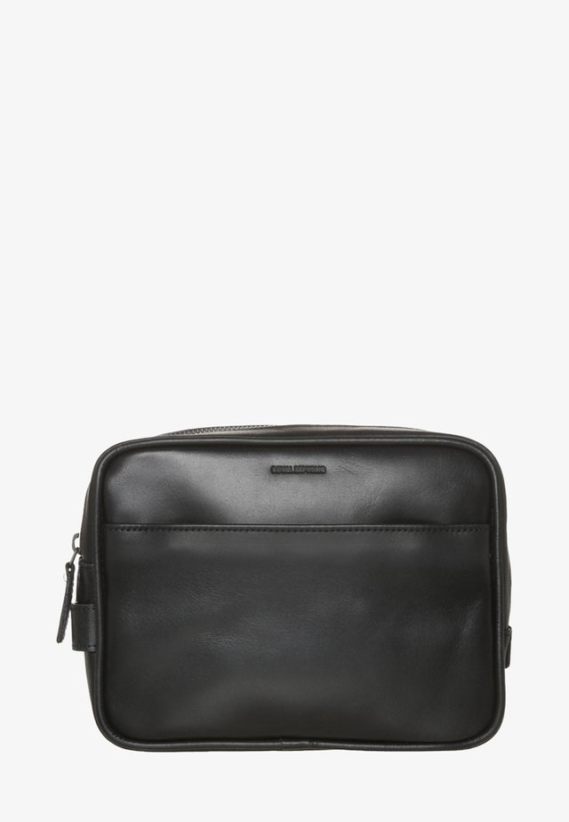 EXPLORER - Wash bag - black