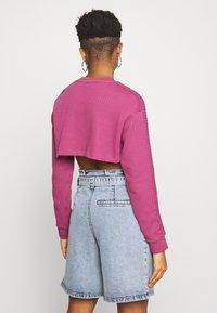 Nike Sportswear - CREW CROP - Sweatshirt - mulberry rose - 2